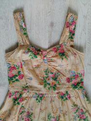 Бежевое платье в цветочек сарафан ретро