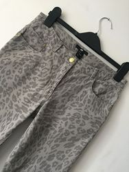 Джинсы, женские джинсы H&M, джинсы скинни, серые джинсы, принт леопард