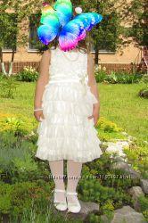 Платье нарядное на выпускной от 5-6 лет.