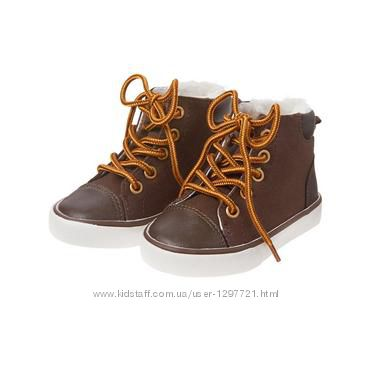 Gymboree Ботинки на меху деми для мальчика р-р 26