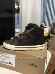 Шикарные зимние ботинки на толстой цегейке