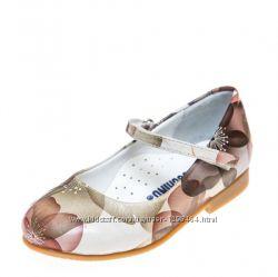Кожаные цветочные туфли для девочки Нежный лепесток от Moschino Р21-26