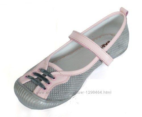 Кожаные мягкие туфельки для девочки с защищенным носком Мальвы 109Д-387