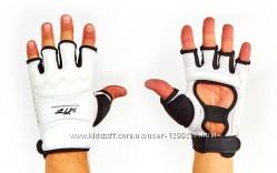Перчатки для таеквондо WTF
