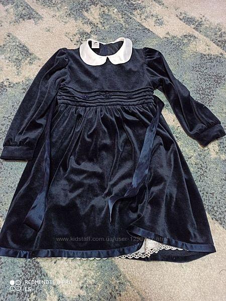 нарядное велюровое платье на 122 рост, можно в школу