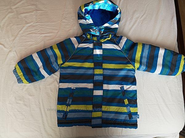 Зимняя куртка на мальчика на 3-4 года