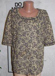 Блуза блузон свободного кроя в цветочный орнамент