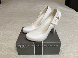 Туфли свадебные 39 размер  идеальное состояние