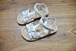 Босоножки сандали F&F белые
