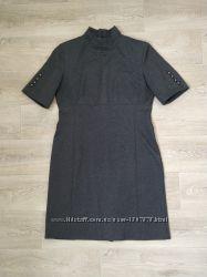 Платье с горлом и коротким рукавом perspective