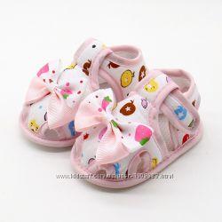 Пинетки - сандалики для девочек