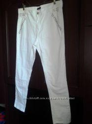 классные белые джинсы 50-52