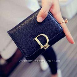 Женский компактный кошелек Dior, 225 грн. Женские кошельки купить ... f4aeb7b2505