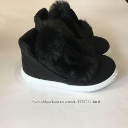 Ботинки демисезонные черные с ушками и мехом