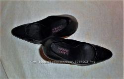 женские кожаные чорные туфли Kemal Tanca 38р Возможен торг