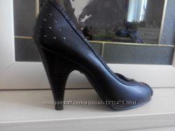 Кожаные туфли торговой марки Dorothy Perkins
