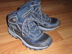 Демисезонные кожанные ботинки  Columbia  на мальчика р.32,  стелька 20 см