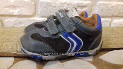 Кожаные кроссовки Geox оригинал. Размер 22 ст. 14 см.