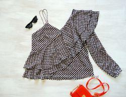 Блуза Next асимметричная, в мелкий принт, шелковистая, с воланами