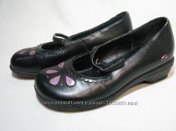 Кожаные туфли на каблучке Skechers