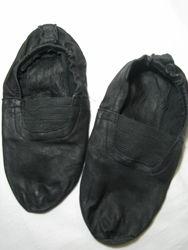 Чешки кожаные черные размер 18, 5 см