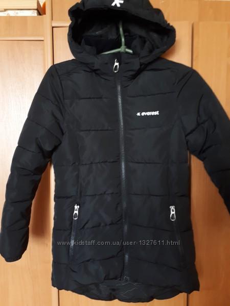Зимняя куртка для девочки Everest 134р.