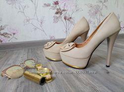 Шикарные нюдовые туфли