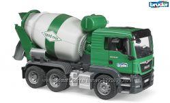Брудер игрушка - бетоновоз MAN  TGS, зелёный, М116 Bruder 03710