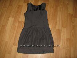 Красивый темно-серый школьный сарафан на р. 122-134 см