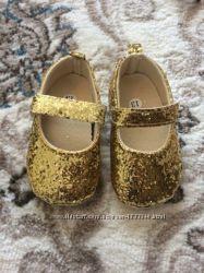 Очень красивенные пинетки для девочки в пайетки золото