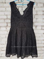 Неимоверно красивое кружевное платье с фатиновым подъюбником от H&M.
