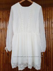 Нарядное нежное коктейльное шифоновое платье с кружевом от H&M.