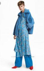 Стильное платье миди H&M в цветочный принт с ассиметричным низом.