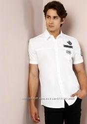 Крутая мужская рубашка Colin&acutes с нашивками.