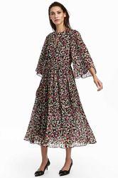 Красивое платье миди H&M в цветочный принт.