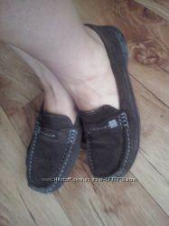 Замшевые туфли на низком ходу 38 р.