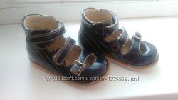 Босоножки- сандали ортопедические фирмы Ecoby