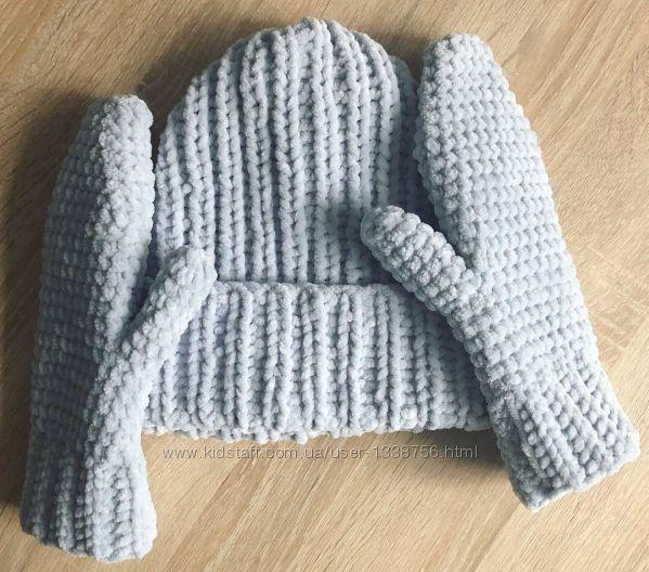 Шапка и рукавицы варежки вязаная ручная работа светло-серые велюр новая han