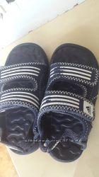 Аквашузы мальчику Adidas 25р.