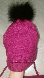 Осенне зимний набор шапка шарф с натуральными меховыми помпонами