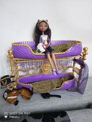 Кровать Клодин Вульф с куклой