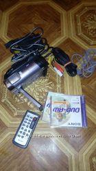 Видеокамера  Sony dcr dvd710eфлешка 2 Гб2 диска