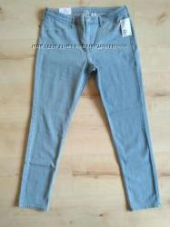 Новые нежно голубые джинсы скини h&m 30, 33 размер