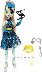 Monster High Dance The Fright Away Transforming Frankie Stein Doll&nbsp