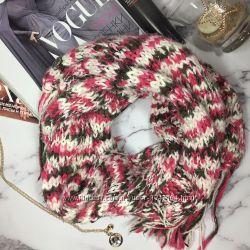 Классный шарф demix  подарок