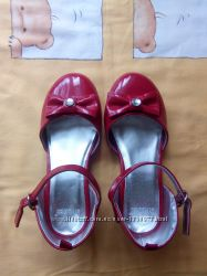 Туфельки красные лаковыеGymboree , размер 12 18 см по стельке
