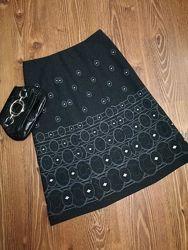 Женственная, шерстяная, качественная миди-юбка с вышивкой, на подкладке