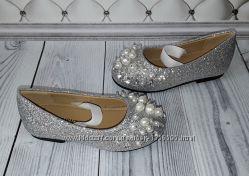 Серебренные туфли девочке