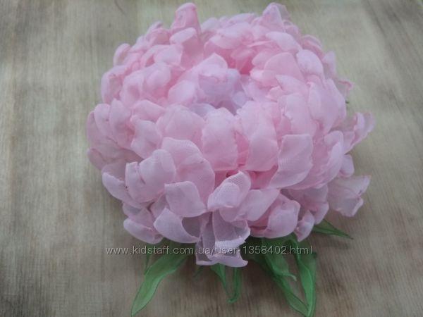 Авторская брошь хризантема Розовые облака ручная работа,  шифон, заколк