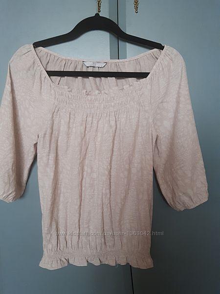 Легкая блуза цвета неотбеленного льна